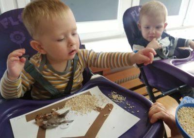 Karmniki – praca plastyczna