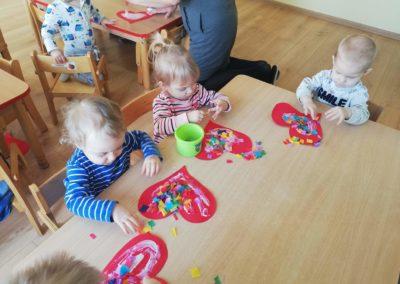 Serce dla babci i dziadka – praca plastyczna