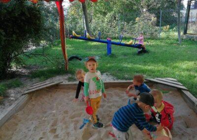 Zabawy na ogrodzie przedszkolnym