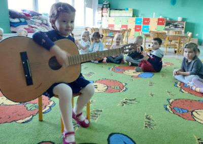 Instrumenty muzyczne :)