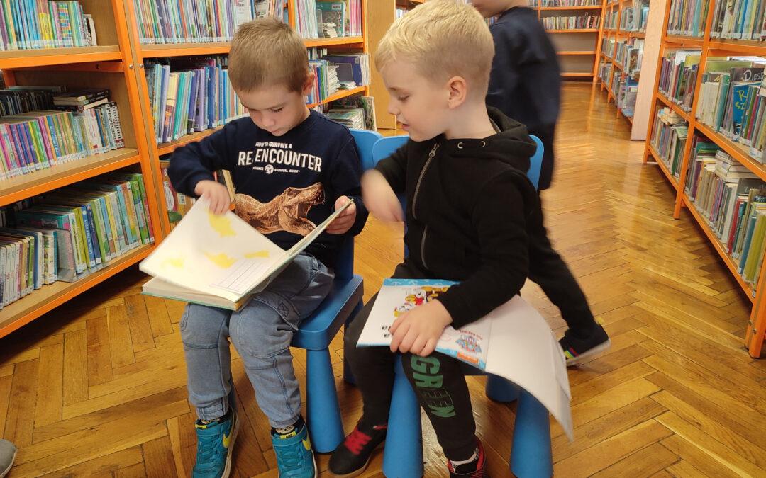 W bibliotece fajnie jest :)